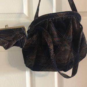 Handbags - Antique 1920s velvet clamshell purse